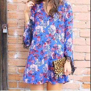 ASTR The Label Blue Floral Bell Sleeve Dress